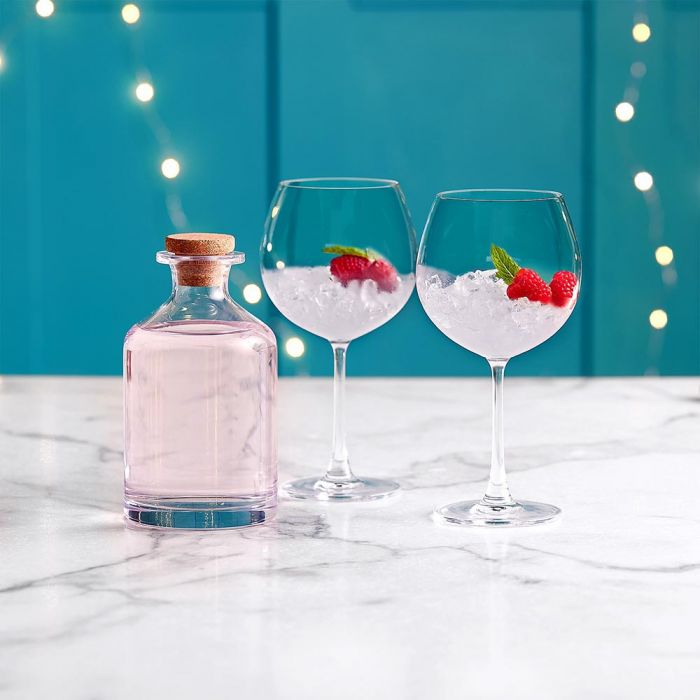 gin decanter and glasses