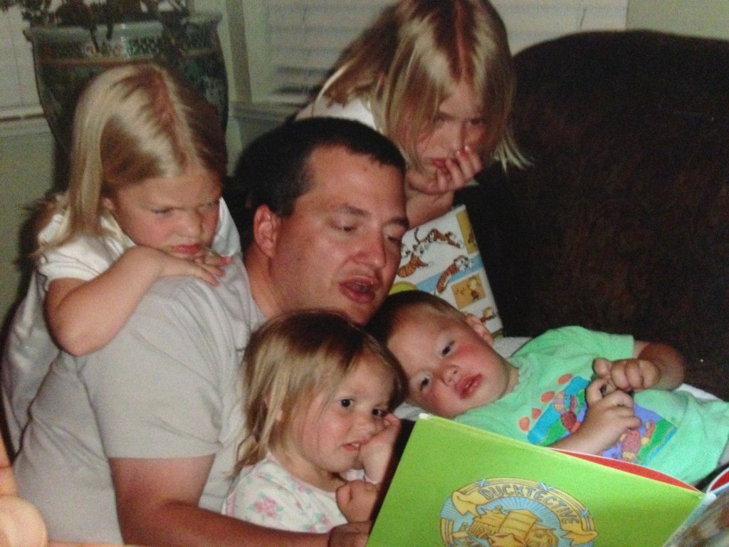 Lane Reading to children