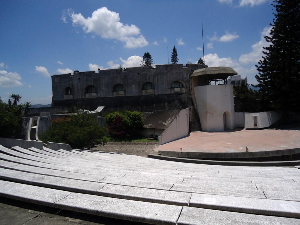 Machine guns guarding the amphitheater