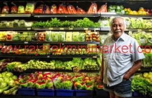 Almarhum Bob Sadino barangkali adalah pengusaha paling nyentrik yang kita kenal di Indonesia.