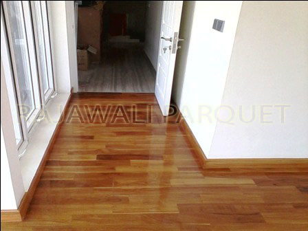 pemasangan lantai kayu parket