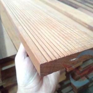 harga lantau kayu Decking Ulin kalimantan