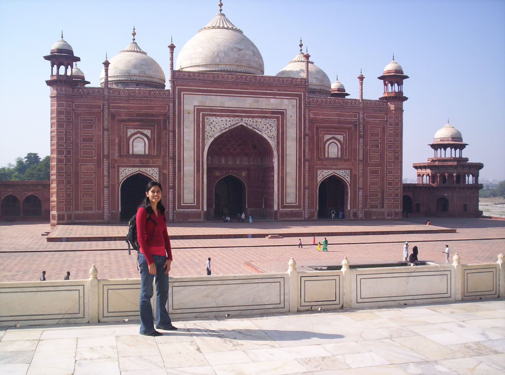 Red sandstone taj mahal mosque rajnesh sharma for Taj mahal exterior design