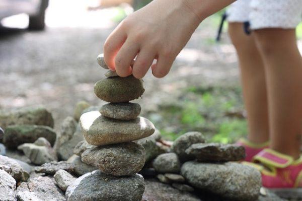 quand je serai grand enfant tas de pierre