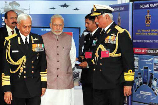 PM-Narendra-Modi-with-Navy-Chief-Admiral-Sunil-Lanba-at-Navy-Day-Reception-2
