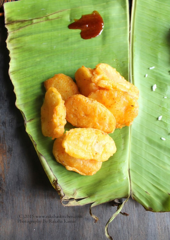 Garam – Garam Cauliflower and Potato Pakodas