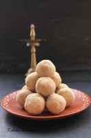 wheat flour ladoos, pityache ladoo, wheat ladoo, ghava pitta ladoo