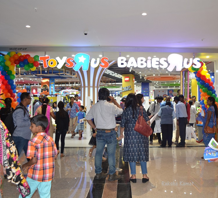 india 39 s first toys r us store launched in pheonix market city bangalore raksha 39 s kitchen. Black Bedroom Furniture Sets. Home Design Ideas