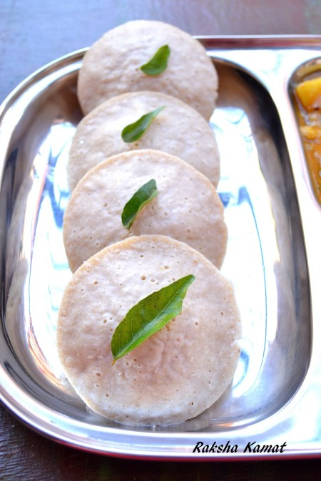idlis with little millets, millet idli, samai idlis