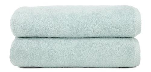 Pair of mint bath towels