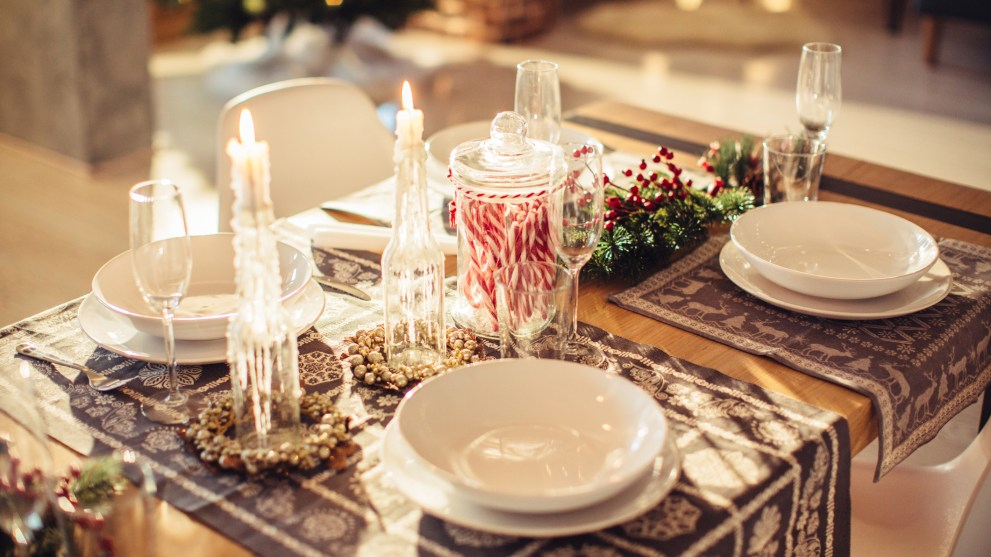 10 Festive Finds to Spruce Up Your Holiday Table