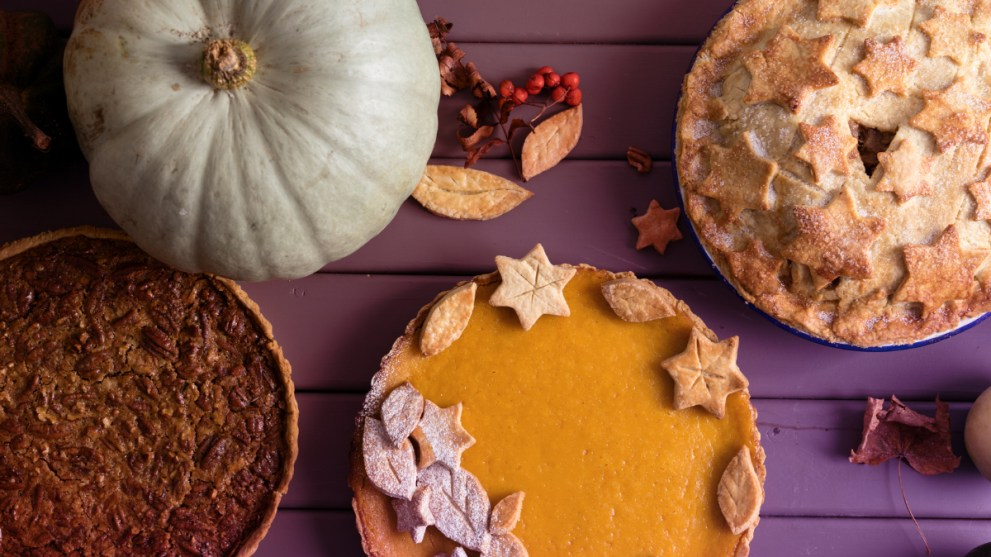 6 Ideas to Safely Celebrate Thanksgiving During COVID-19