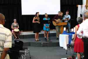 Service Adventure Sunday - Opening praise and worship