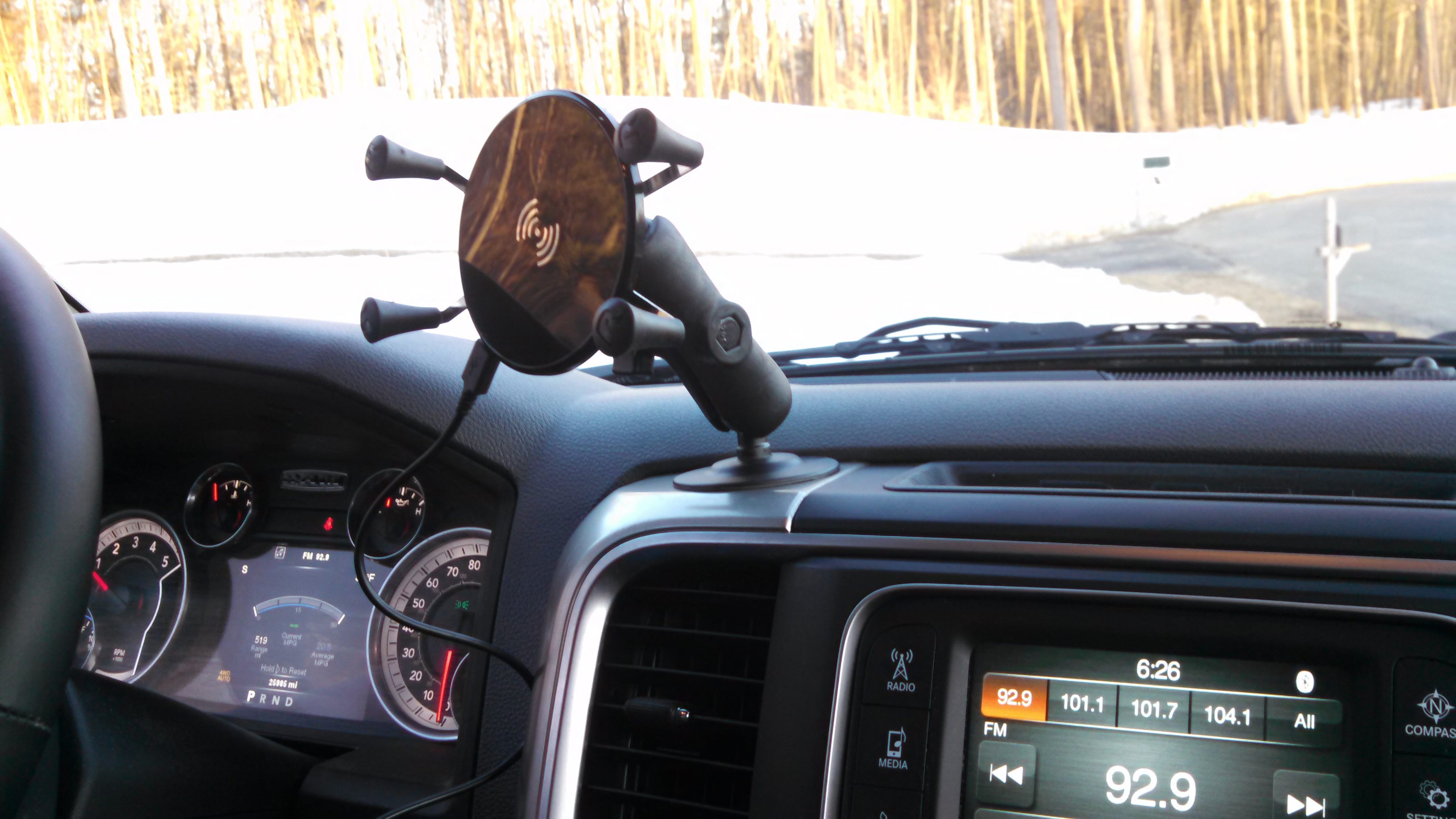 Phone mount with Qi Wireless charging