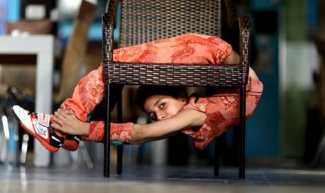 Kind-Akrobat-Gaza