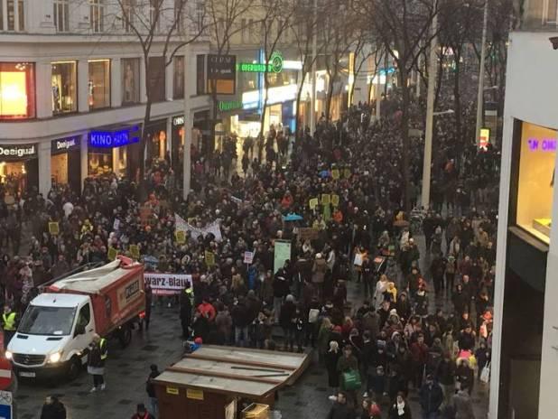 Demo-gegen-Austria-Reig9 (2)
