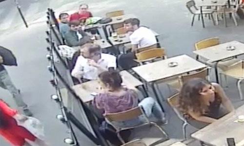 Paris-Frauen-Gewaltig-2