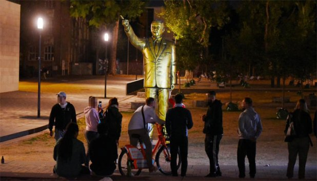 Erdogan-Statue-2
