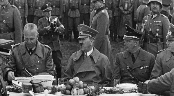 أحترس نشر وجبة هتلر المفضّلة قد تقودك للسجن! حدث مع ضابط شرطة نمساوى