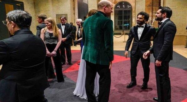 بالفيديو – صلاح يلبي دعوة البلاط الملكي البريطاني ويوجه تحذيراً للبشرية