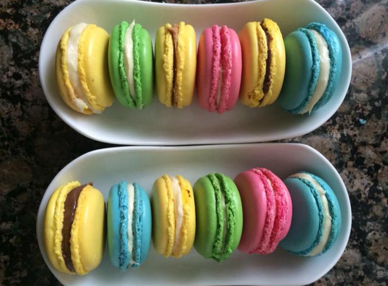 Macarons met chocoladepasta
