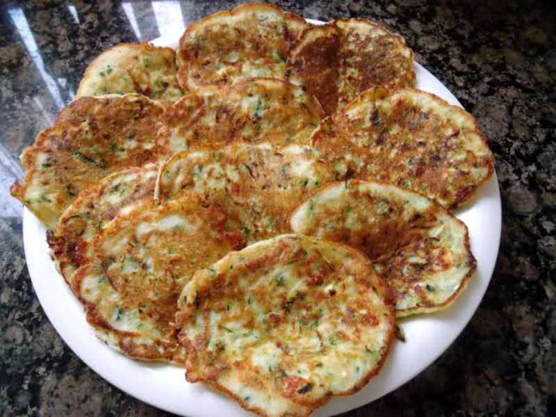 Pannenkoekjes van courgette en feta