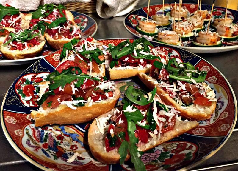 Klassieke bruschetta met tomaten