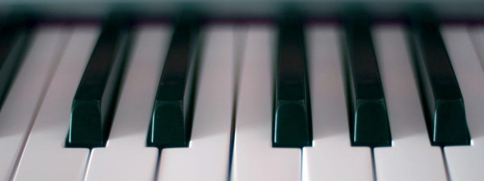 https://i0.wp.com/www.ramonaluengen.com/wp-content/uploads/2013/01/piano_blur_960.jpg?resize=960%2C360