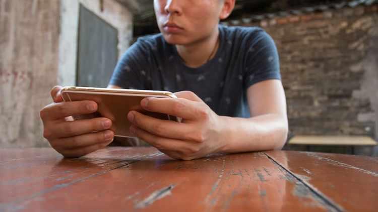 mobile macro hand game