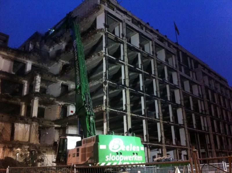 Foto 1: Bouwterrein oostzijde Rokin door Anita van der Aar (De Hel in Hotel Polen)