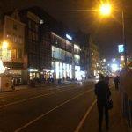 Foto 2: Zijaanzicht voorgevel Forever21 door Anita van der Aar (De Hel in Hotel Polen)