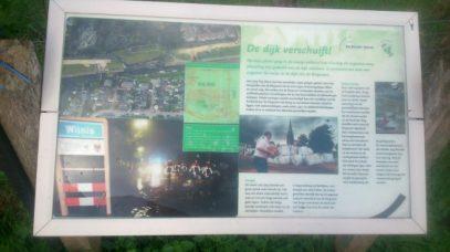 informatie bord door Marlies Kempen (Wilnis – 25 & 26 Augustus 2003)