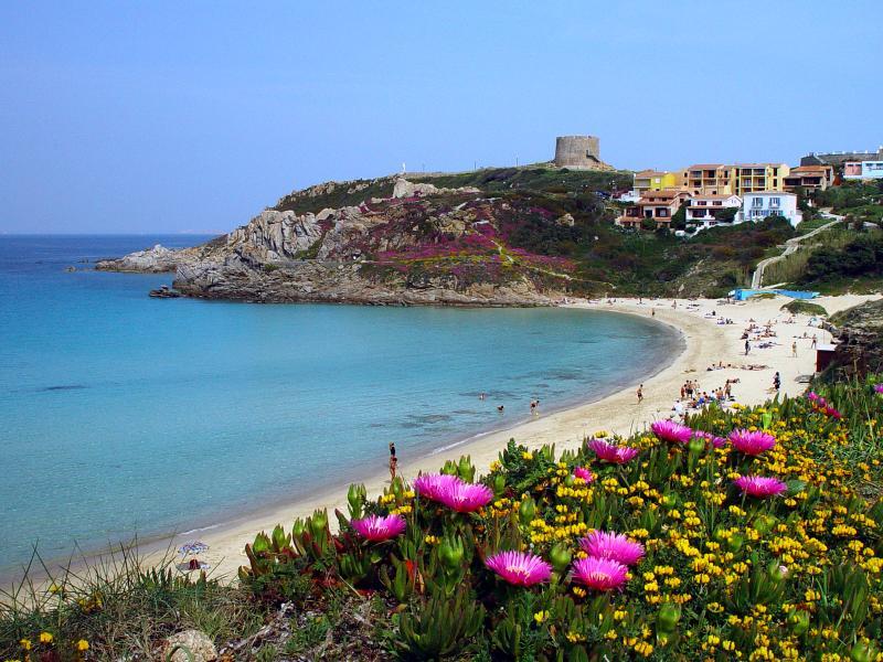 Vacanze in Sardegna  Affitto appartamenti e ville Santa