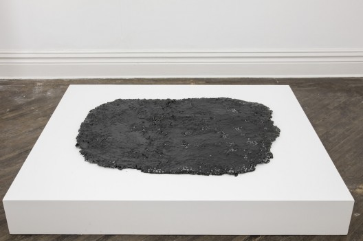Lie 躺, SU Chang 苏畅, 2015. Asphalt, stone, hemp and carbon fiber, 沥青、石子、麻和碳纤维, 118 x 95 x 4 cm
