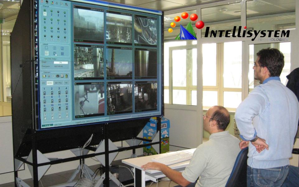 https://i0.wp.com/www.randieri.com/randieri/wp-content/uploads/Immagini_Pubblicazioni/Video-Wall-Consolle-Intellisystem-Technologies-960x600_c.jpg