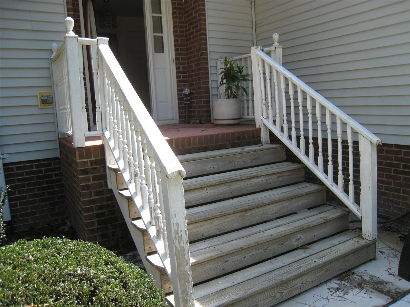 Wooden Handrails For Porch Steps — Randolph Indoor And Outdoor Design | Handrails For Outdoor Steps | Plastic | Galvanized Steel | Solid Wood | Rail | Simple