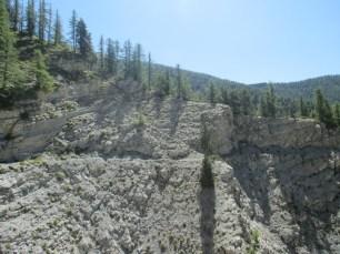 Le sentier dans l'environnement minéral