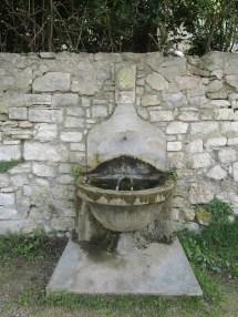 3 Fontaine de la porte Eyguière