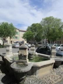 6 Fontaine du portail neuf