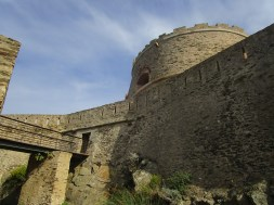 l'Estissac ancien pont-levis