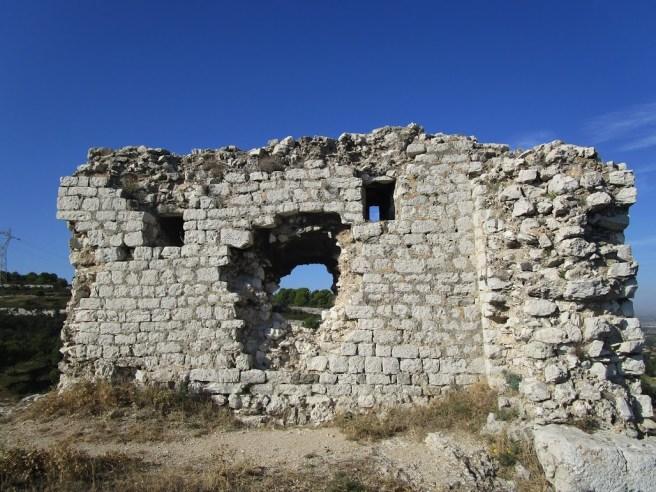 vestige château vieux Gignac