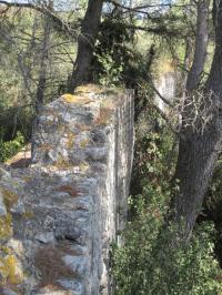 Vestiges de la branche nord de l'aqueduc romain d'Arles