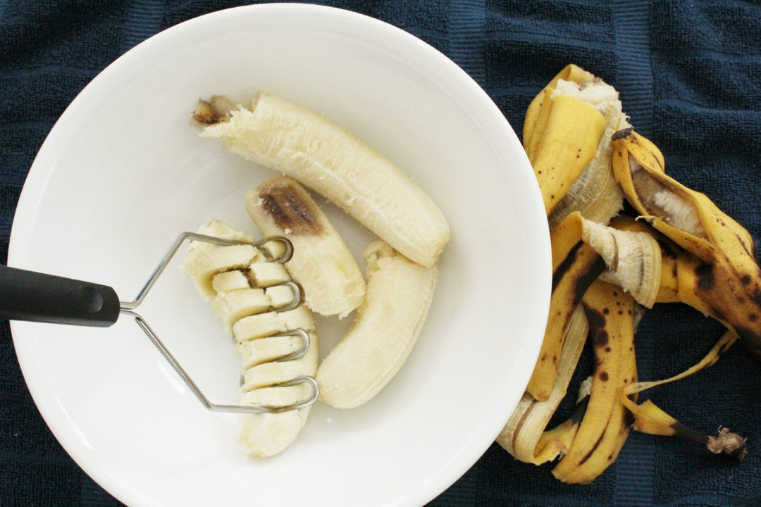 What To Do with that Sad and Brown Banana  | randomolive.com
