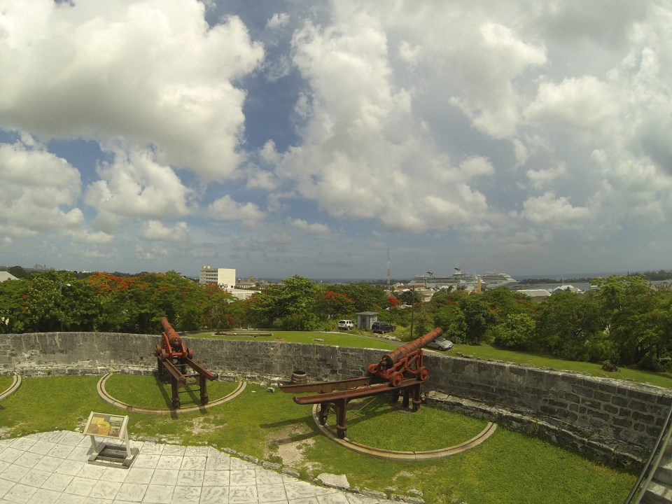 Cannons at Fort Fincastle