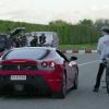 フェラーリ―vs自転車