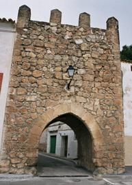 Une des portes de Almonacid de Zorita