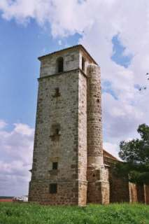 Le clocher de l'église de Monreal las Llanos