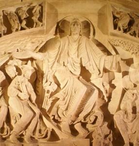 """Le Christ de la pentecôte semble voler, les spirales de sa robe symbolisent l""""éternité"""