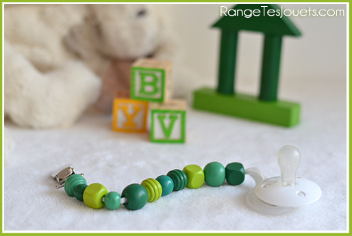 attache-tetine-perle-vert