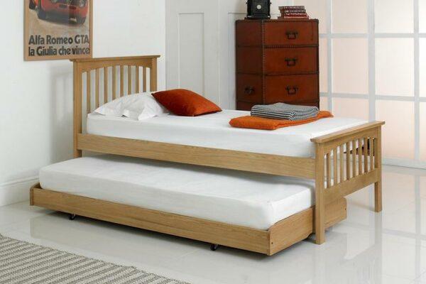 Ranjang Tidur Tamu Jati Heywood